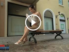 [AISS爱丝视频]F6H10 亚美依-穿丝袜的街道