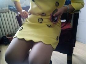 手机作品——近拍黄裙肉丝少妇