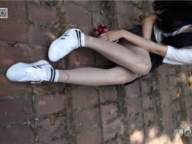 [只糖棉袜] NO.043 文文 包臀裙肉丝棉袜小白鞋
