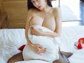 [HuaYang花漾] 2021.08.24 VOL.442 允爾 猩红吊裙与魅惑黑丝