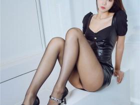 [XiuRen秀人网] 2021.08.26 No.3858 可樂Vicky 皮裙与极致黑丝美腿YYDS